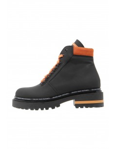 Lead black boots track sole