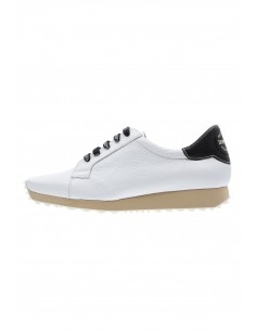 Innovate white sport shoes