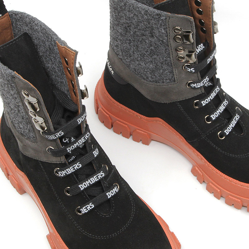 Black boot with laces and track sole for women - Infinity