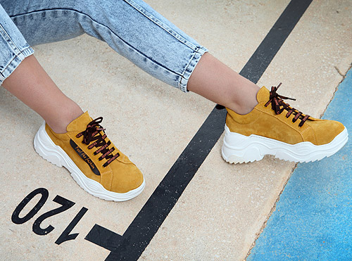 Sneakers and casual shoes for women. Buy online at Dombers